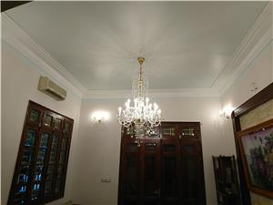 Cách chọn đèn pha lê trang trí cho phòng ngủ thêm ấm cúng