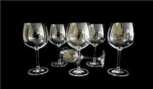 Cách chọn ly pha lê uống rượu vang đẳng cấp cho người sành rượu