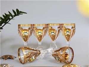 Ngắm những bộ ly pha lê Bohemia mạ vàng đắp nổi đẹp tinh tế