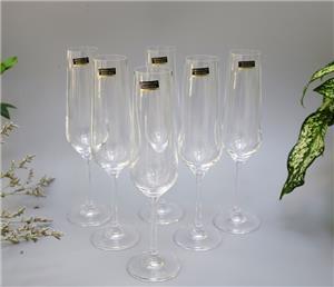 Những bộ ly pha lê uống rượu vang cao cấp và độc đáo