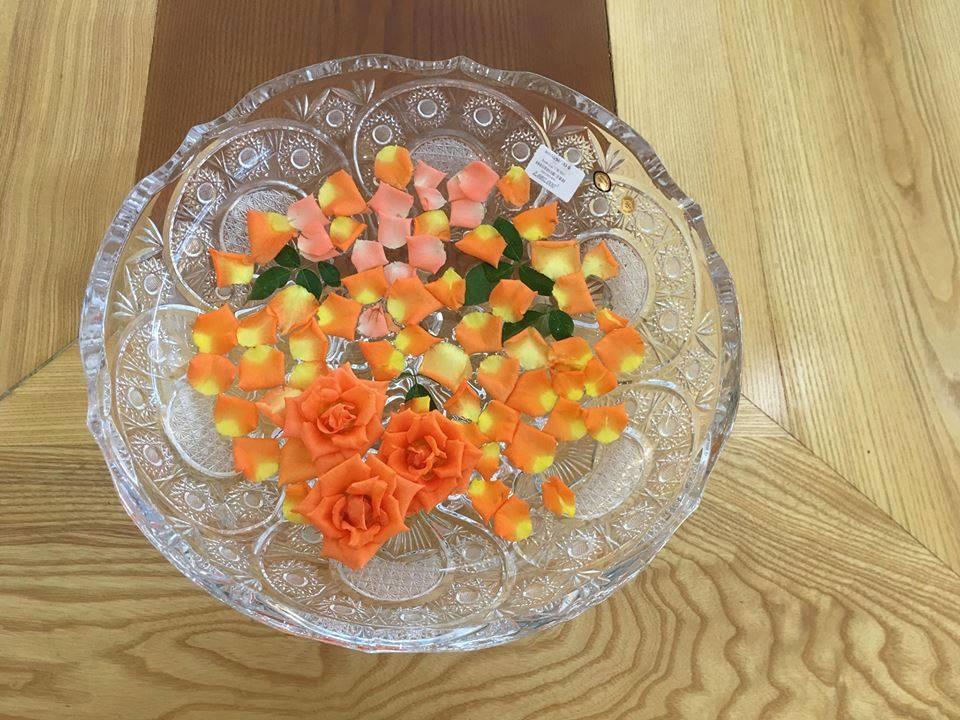 bát thả hoa pha lê mài từ Tiệp