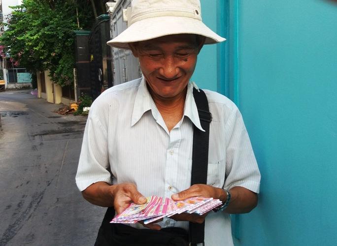 người bán vé số dạo