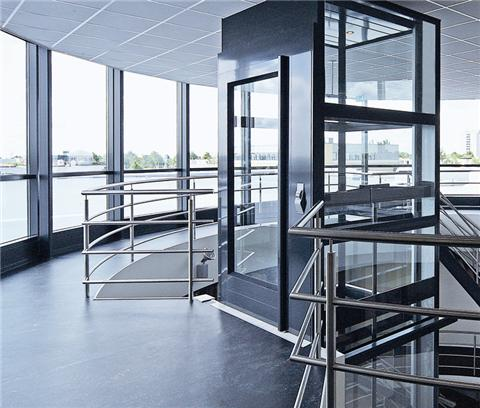 Thang máy thích hợp cho những ngôi nhà có sự hạn chế về không gian
