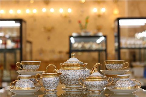 Bộ ấm trà sứ cao cấp Tiệp FR CS LB011