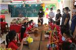 Hội Phụ huynh học sinh Trường Tiểu học TT Yên Định tặng quà học sinh nghèo dịp Tết Trung Thu