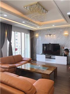 Dự án lắp đặt đèn chùm pha lê phòng khách và phòng ăn
