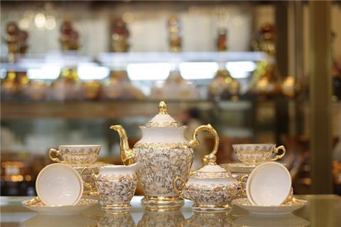 Lựa chọn bộ bình trà sứ cao cấp làm quà tặng Tết 2021