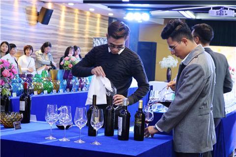 Màu sắc của rượu vang có ý nghĩa gì? - Quà tặng pha lê