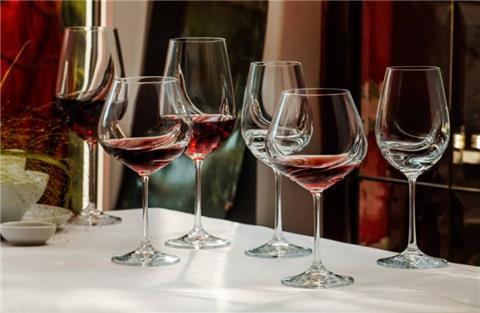 6 điểm cộng đáng giá của ly rượu vang Turbulence