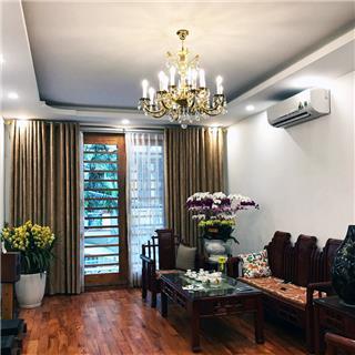 Tại sao đèn chùm pha lê nến để trang trí phòng khách?